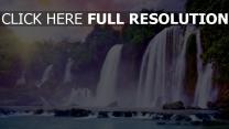 klippen wasserfälle tropische sonne dunst