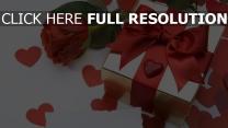 bogen rose herz geschenk romantik
