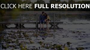 paar fluss natur zärtlichkeit romantik