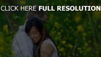 paar umarmen zärtlich romantisch