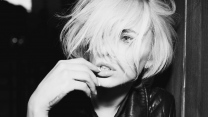 blond foto-shooting modell augen bw alysha nett