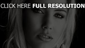 blonde make-up augen schwarz und weiß