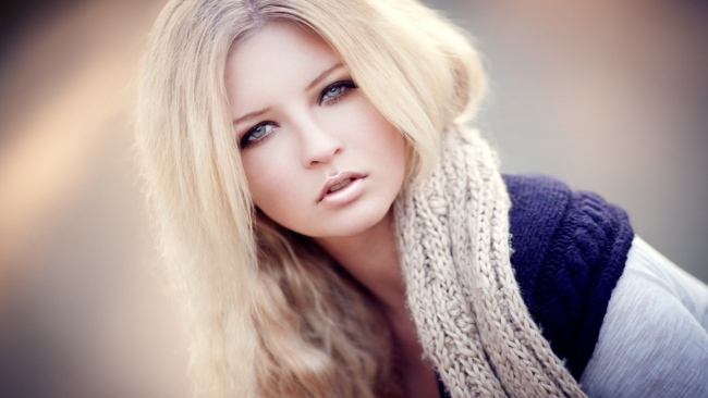 hd hintergrundbilder blonde augen schal pullover