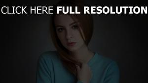 rot haar sommersprossen pullover blau