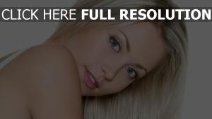 blond haar hell lächeln