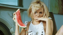 blond blick hemd wassermelone