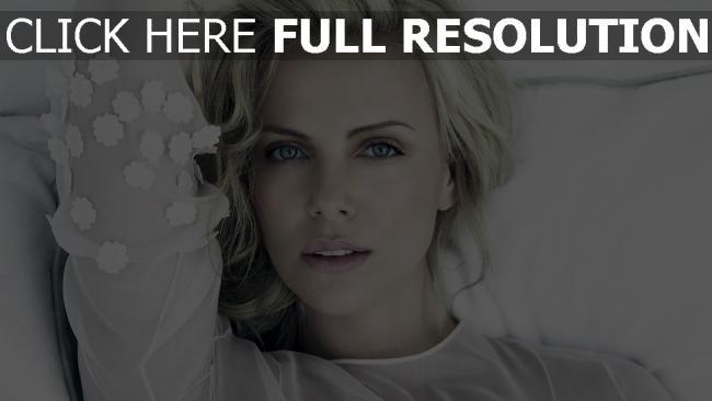 hd hintergrundbilder charlize theron blonde schauspielerin berühmtheit