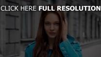 brünett lange haare blaue augen