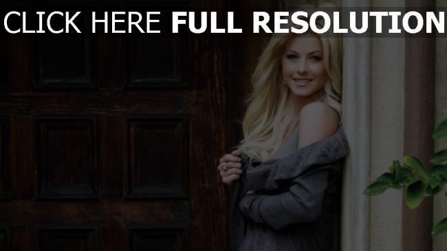 hd hintergrundbilder julianne hough blonde lange haare smile pullover