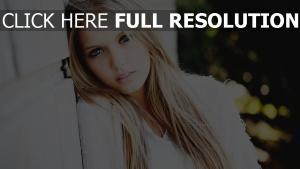 blond blaue augen modell traurigkeit