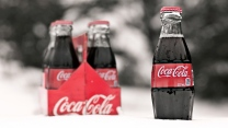 coca cola getränk schnee flaschen glas