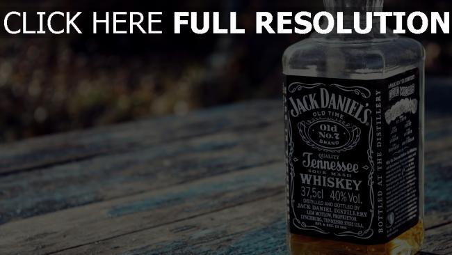 hd hintergrundbilder jack daniels whisky flasche glas tisch