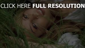 gras kylie minogue schauen gesicht lippen