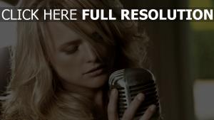 sängerin miranda lambert mikrofon mädchen blond