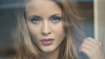 sänger gesicht make-up foto-shooting zara larsson