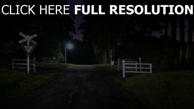 hd hintergrundbilder nacht straßenschilder licht eisenbahn kreuzung