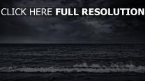 meer bedeckter himmel wolken sturm surfen