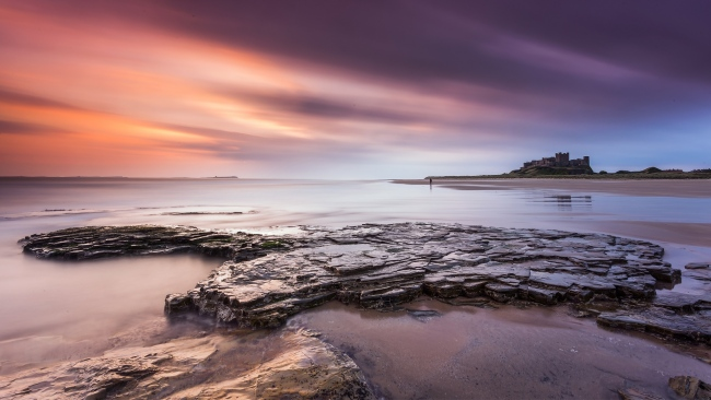 hd hintergrundbilder strand schloss meer himmel sonnenuntergang england northumberland
