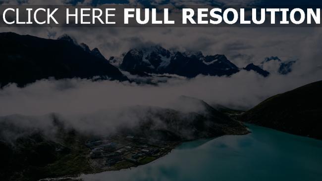 hd hintergrundbilder berge see nebel