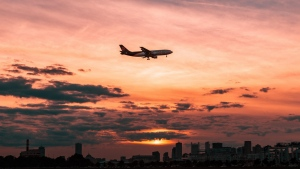 flugzeug wolken himmel flug sonnenuntergang