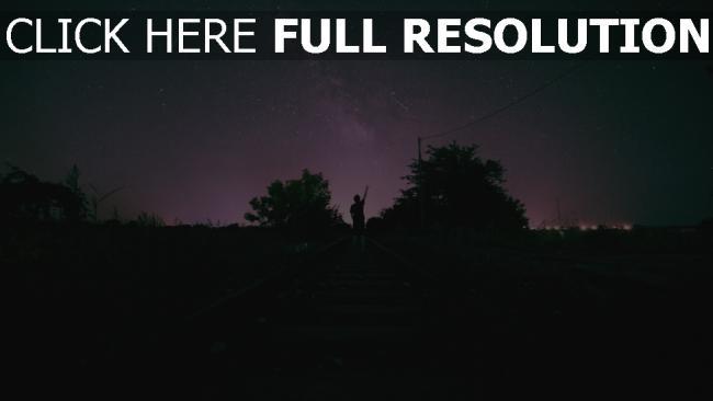 hd hintergrundbilder nacht sternenhimmel mann eisenbahn