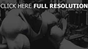 arnold schwarzenegger junge bodybuilding schauspieler