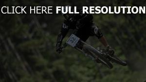 downhill radfahren fliegen