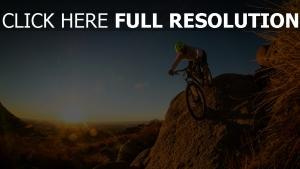 fahrrad mountainbike downhill mann radfahrer