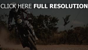 reiter rennen drehen mann