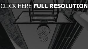 schwarz-weiß basketball ring netz brücke