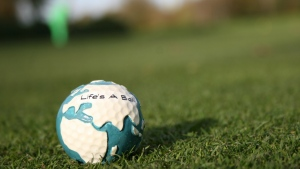 gras ball golf