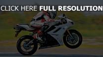 geschwindigkeit motorradfahrer motorrad
