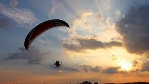 flug sonnenuntergang gleitschirm himmel