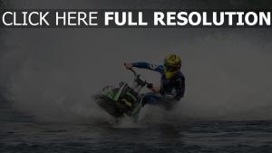 spritzer wassermotorrad jet-ski geschwindigkeit