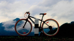 sport nebel berge abend fahrrad