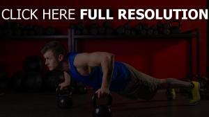 liegestütze gewichte bewegung sport mann