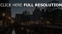 kanal gebäude nachtlichter amsterdam
