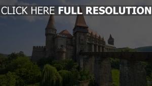 schloss bran brücke siebenbürgen rumänien